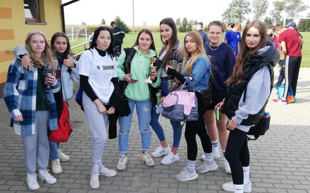 Powiatowa Licealiada w Sztafetowych Biegach Przełajowych.